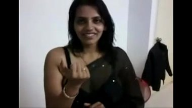 Desi Wife Stripping Saree To Show Off Huge Boobs