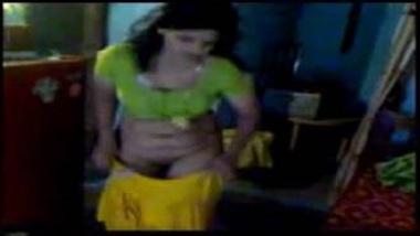 MMS Of Sexy Punjabi Bhabhi Showing Hairy Pussy To Devar