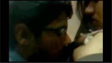 Lovely MMS Of Hot Indian School Girl