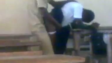 Desi teen school girl fucked by security guard