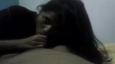 Nasik college girlfriend giving an amazing blowjob to her bf