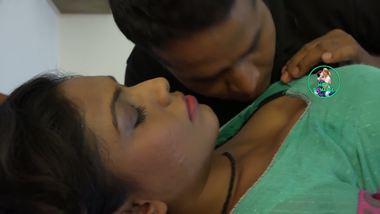 Mallu masala sex mms of hot bhabhi and her hubby's friend.