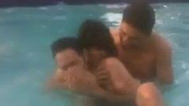 Indian group sex of College desi girl in swimming pool
