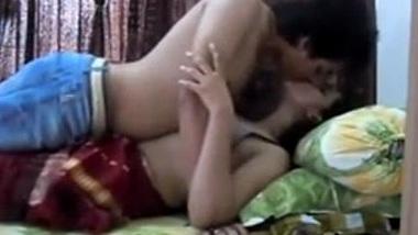 Jawan mausi ne apne teen bhanje se sambhog kiya
