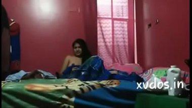 Cheating bhabhi ke padosi se chudai ki Hindi blue film