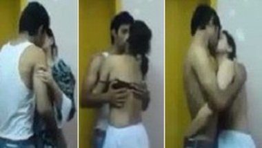 College Indian lovers hot kiss & smooching