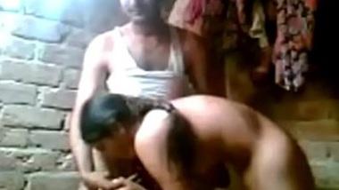 Odisha ke village mai desi maid ko nahla ke choda