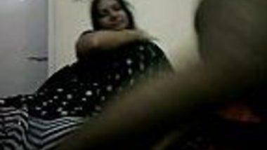Tamil bhabhi in black saree give her devar sloppy blowjob