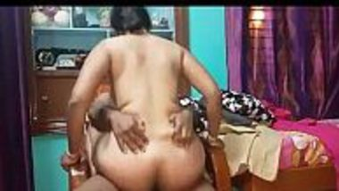 Porn video download of Hindi lady teacher rides and do chudai with Tamil