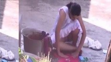 Real MMS of desi Mami Chut view in nighty at work