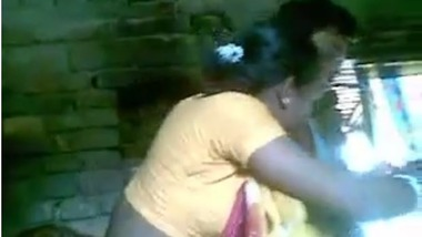 Desi Village Randis getting filmed by their customers in brothel