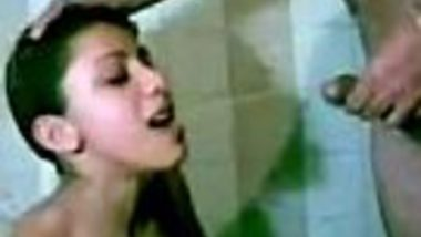 Horny Punjabi girl drink piss of her Indian boss in bathroom