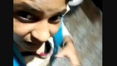 Cute malayali Girl Showing Cleavage Clear Talk