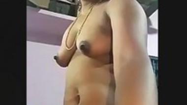 Desi bhabi nude show