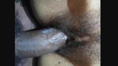 Desi Gitl Tight Pussy Fucked 2 Clips