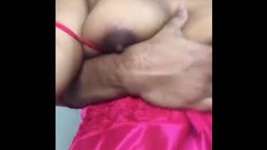 Desi bhabi sexy boobs