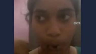 Desi Couples Boobs Show nin Video Call