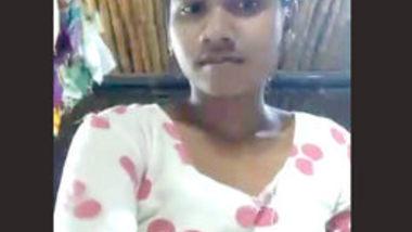 Desi village teen show her pussy