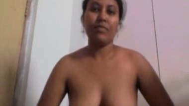 South Indian Lady getting naked on cam for her neighbor