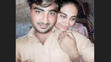 Paki wife fucking in room
