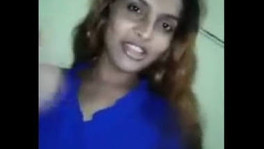 Hijra showing boobs and ass mms clip