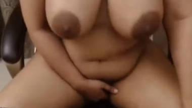 Desi bhabi really big boobs