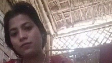 Dehati Bangla lady fingering her chut MMS clip
