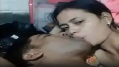 Bhavesh sucking boobs of gujarati sheethal ben
