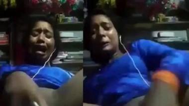 Horny Desi Girl Masturbating With Perfume Bottle Crying With LoudmoaningAnd Pain (BanglaTalk)