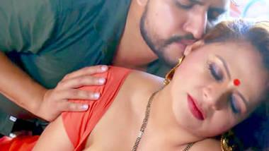 Gum Hai Kisi Ke Pyaar Me (2020) UNRATED 720p HDRip Nuefliks Hindi Hot Song