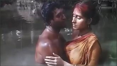 Sexy Indian Actress Roopa Showing Hot Boobs In Movie