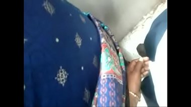 Tamil Aunty Doing Handjob In Public