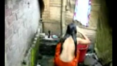 HQ XXX Porn / Bengali desi village girl bathing in Dhaka