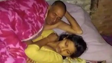 Stepfather offers Desi babe in yellow sari to touch his cock