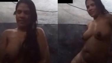 Desi Girl Bath Video (Updates)