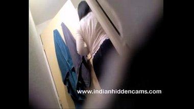 Indian hidden cam showing a hot Telugu girl