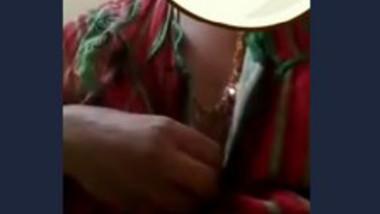 Desi bhabi show her big boob video call 2