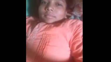 Desi cute wife make her own video