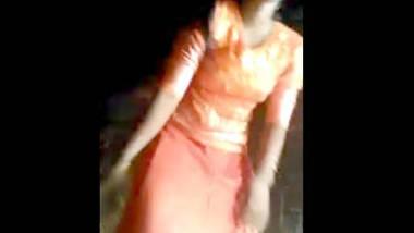 mayanmar cute girl open her dress