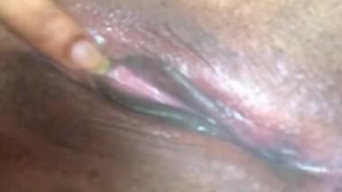 Desi bhbia clean saved pussy fingering
