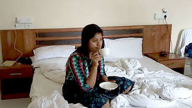Desi sexy bhabi fucking log time with he boss in hotel room video 6