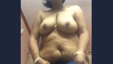 Desi aunty selfie video