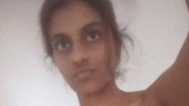 Nude Tamil Lankan girl rubbing clitoris MMS