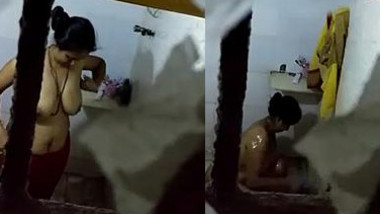 Pervert records porn clip in which takes part naked Indian neighbor