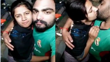 Girl kisses bearded Desi boyfriend on camera and it deserves some respect
