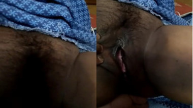 Porn video is much better when Indian girl shows pussy in close-up