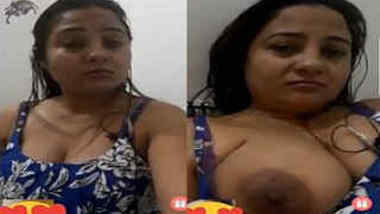 Fat Indian MILF rubs her wet XXX twat during sex video chat with BF