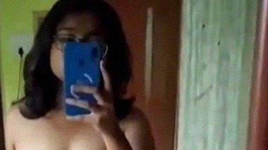 Bong Babe nude selfie MMS video