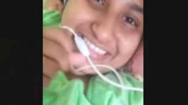 Desi Booby girl Showing On VideoCall
