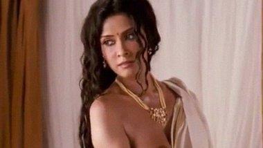 Indian desi actress Nandana Sen nude video